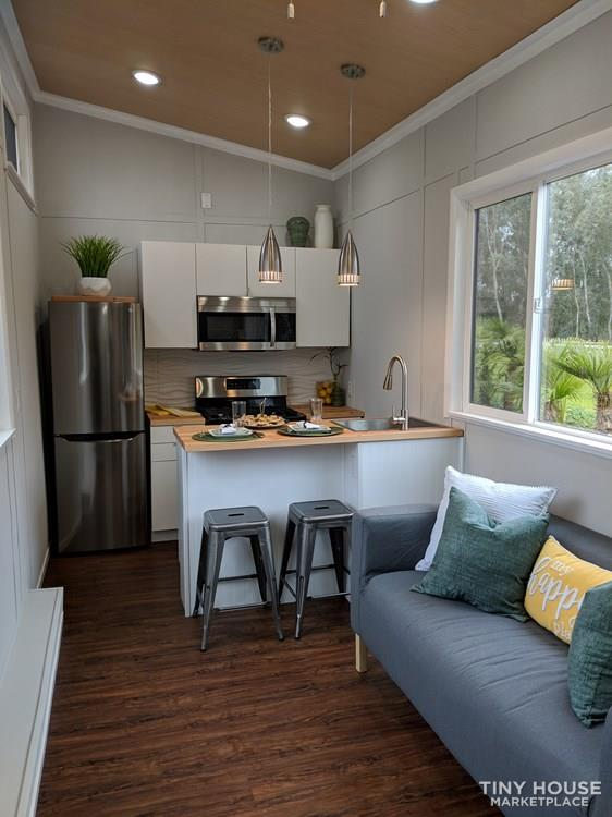 28 ft Modern & Spacious Tiny House on Wheels 2