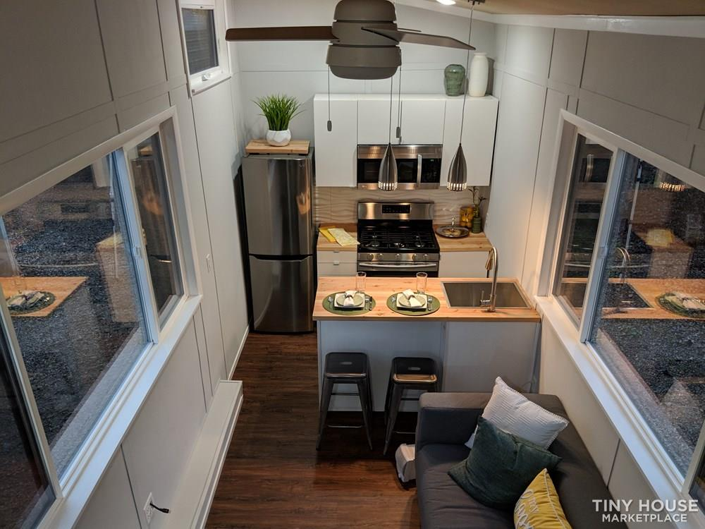 28 ft Modern & Spacious Tiny House on Wheels 14