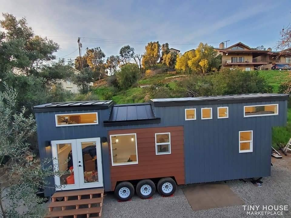 30' Modern Tiny w/ land to rent (Rare Opportunity)  1