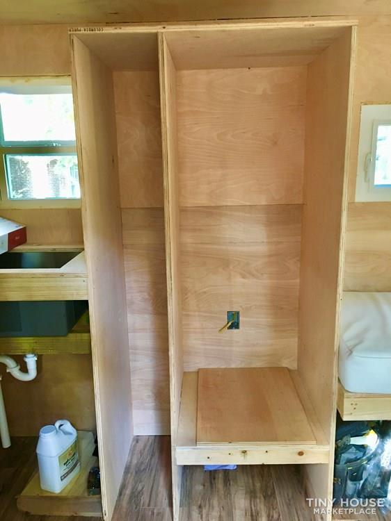 Custom Tiny House on Wheels (Almost finished) 4