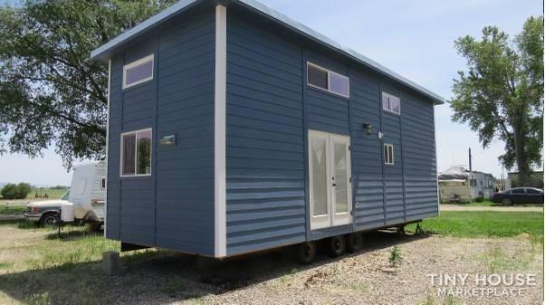 Barely used 2018 park model by Rich's Portable Cabins