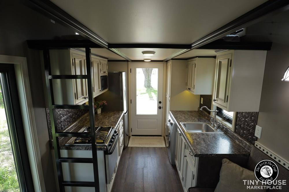 Beautiful, 28FT Tiny Home With Downstairs Bedroom and Bathtub!  7