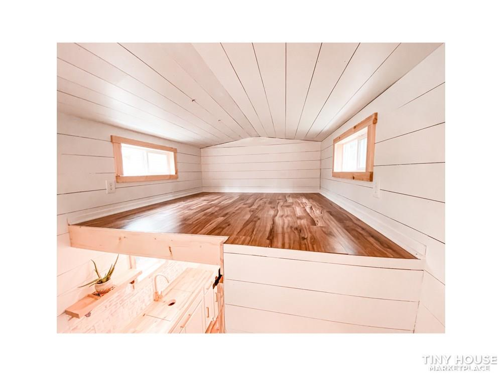 Tiny Modern Farmhouse on Wheels  22