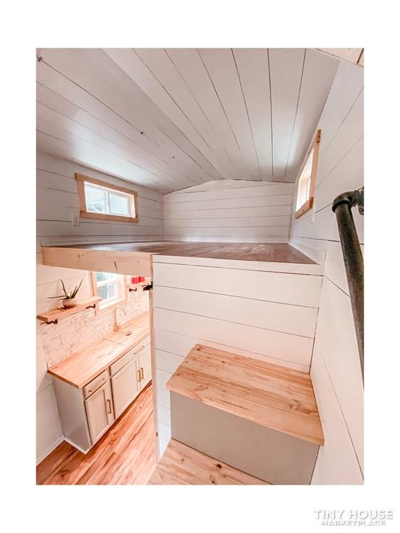 Tiny Modern Farmhouse on Wheels  23
