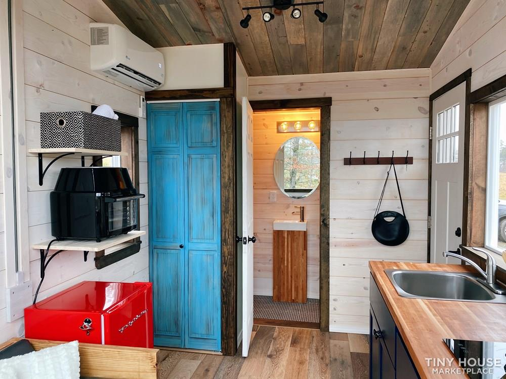 Cozy Tiny Home With Elevator Bed 7