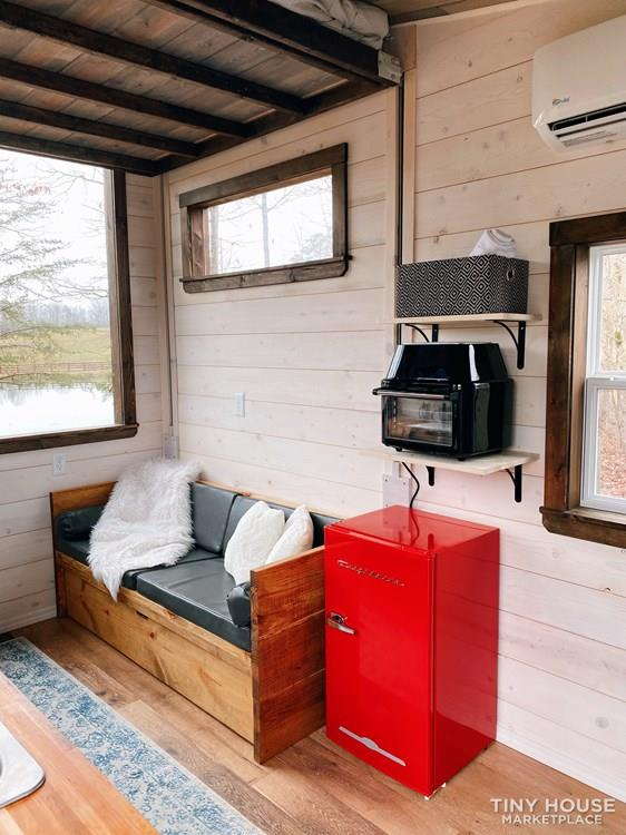 Cozy Tiny Home With Elevator Bed 20