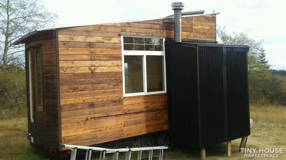 Eco-Friendly Tiny House on Wheels 2