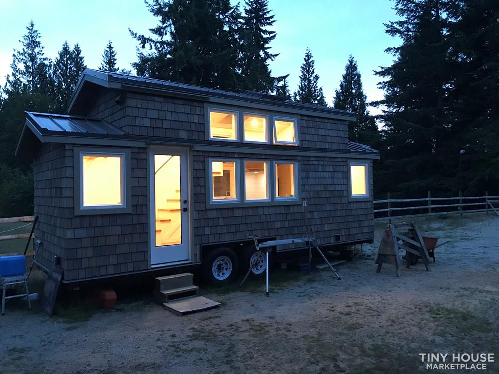 Exquisite Tiny Home on Wheels