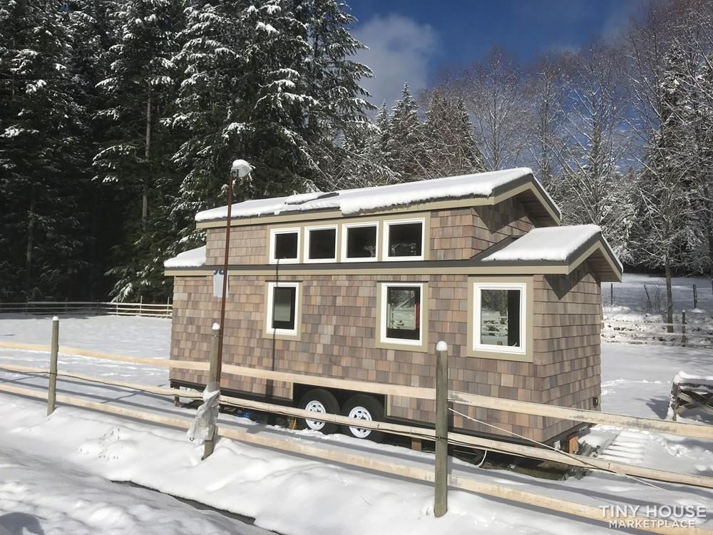 Exquisite Tiny Home on Wheels 2