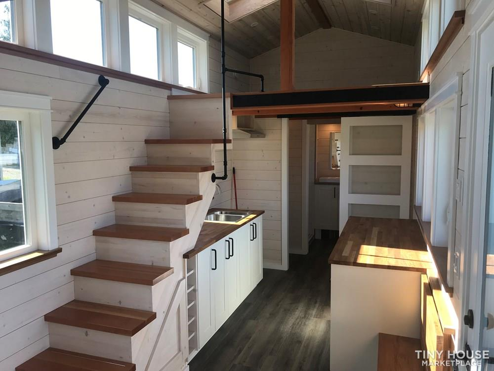 Exquisite Tiny Home on Wheels 3