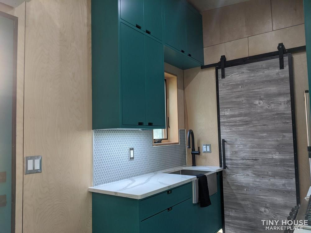 Poseidon - Modern Tiny House 5