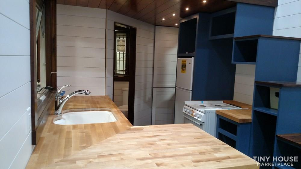Luxury Living in a Tiny House 8