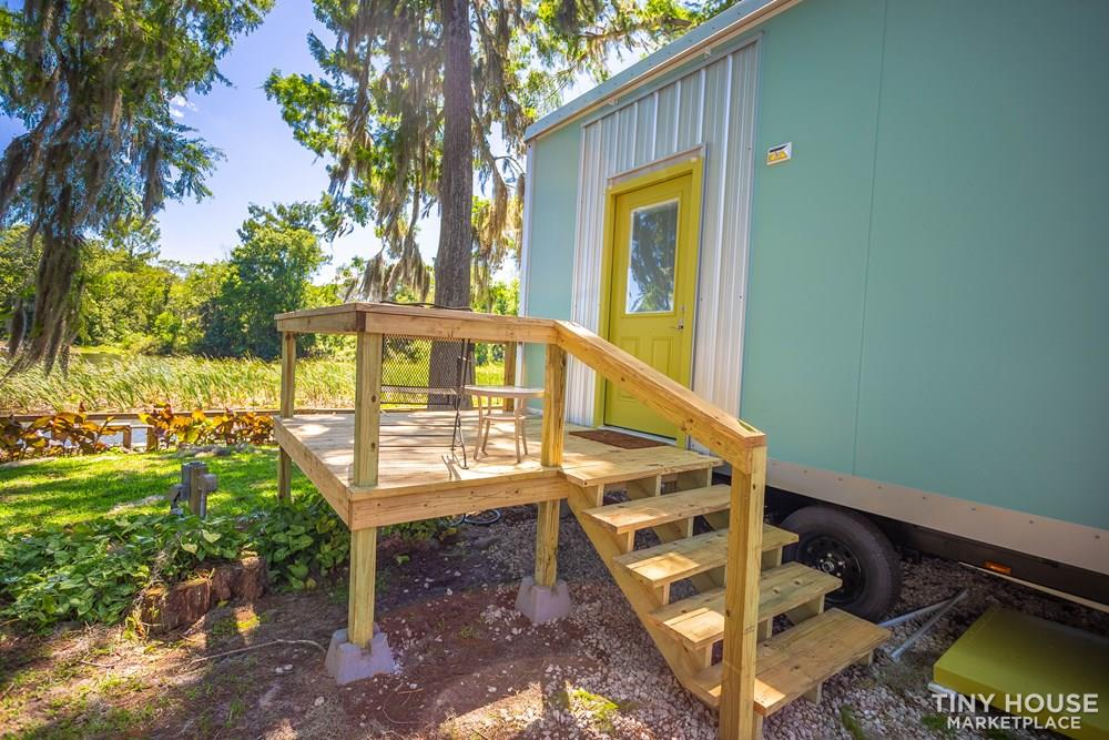 Luxury Tiny House. No Loft. Furnished. Waterfront. Central Florida. 250 sqft