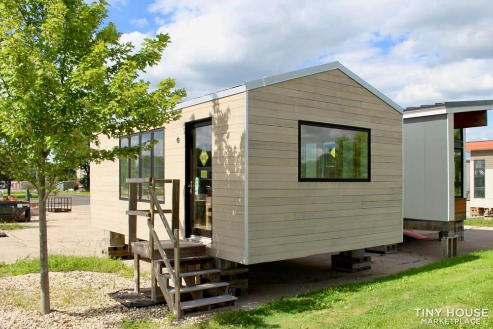 Minim Tiny Home- Customized interior yourself!