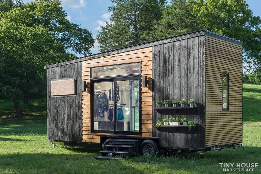 Mobile Store Tiny House 5
