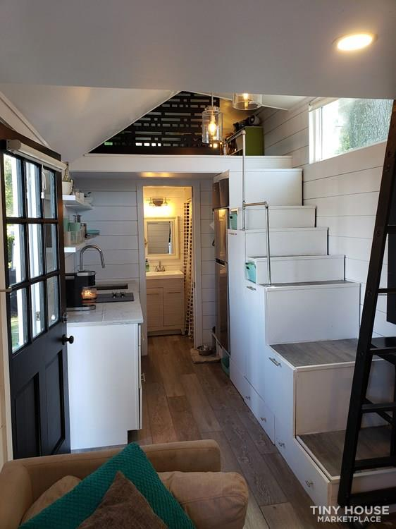 Tiny House with high end finishes 3