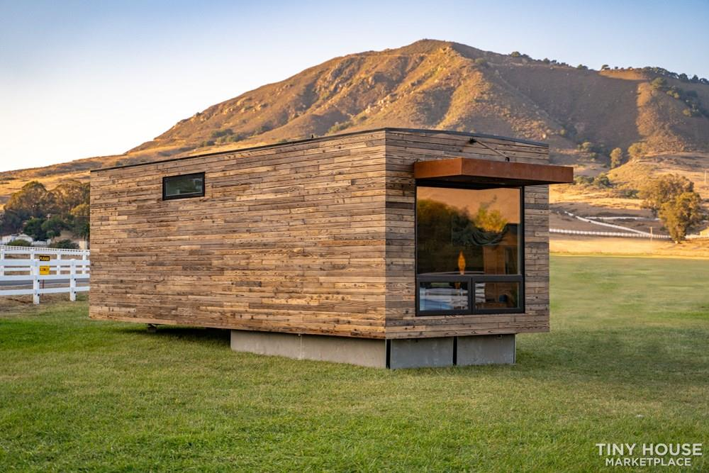 Modern Prefab Home on Wheels