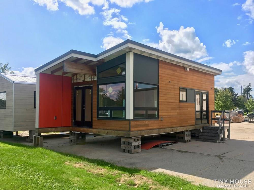 Modern Spacious Tiny Home- Finish Interior Customization Yourself!