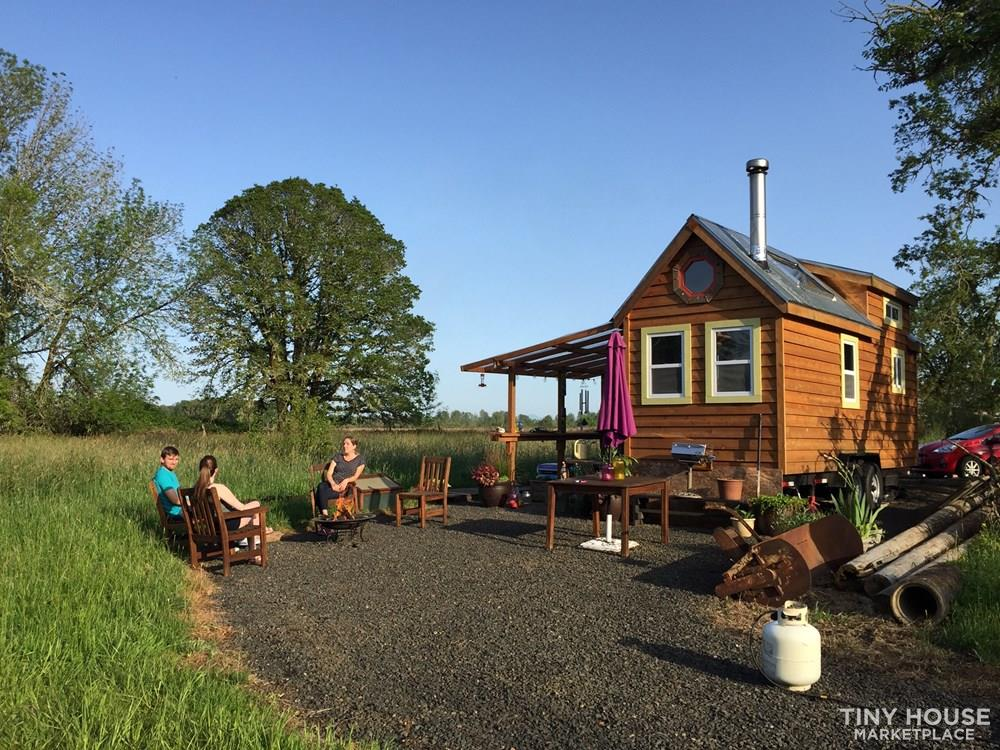 Move in ready tiny house in Oregon