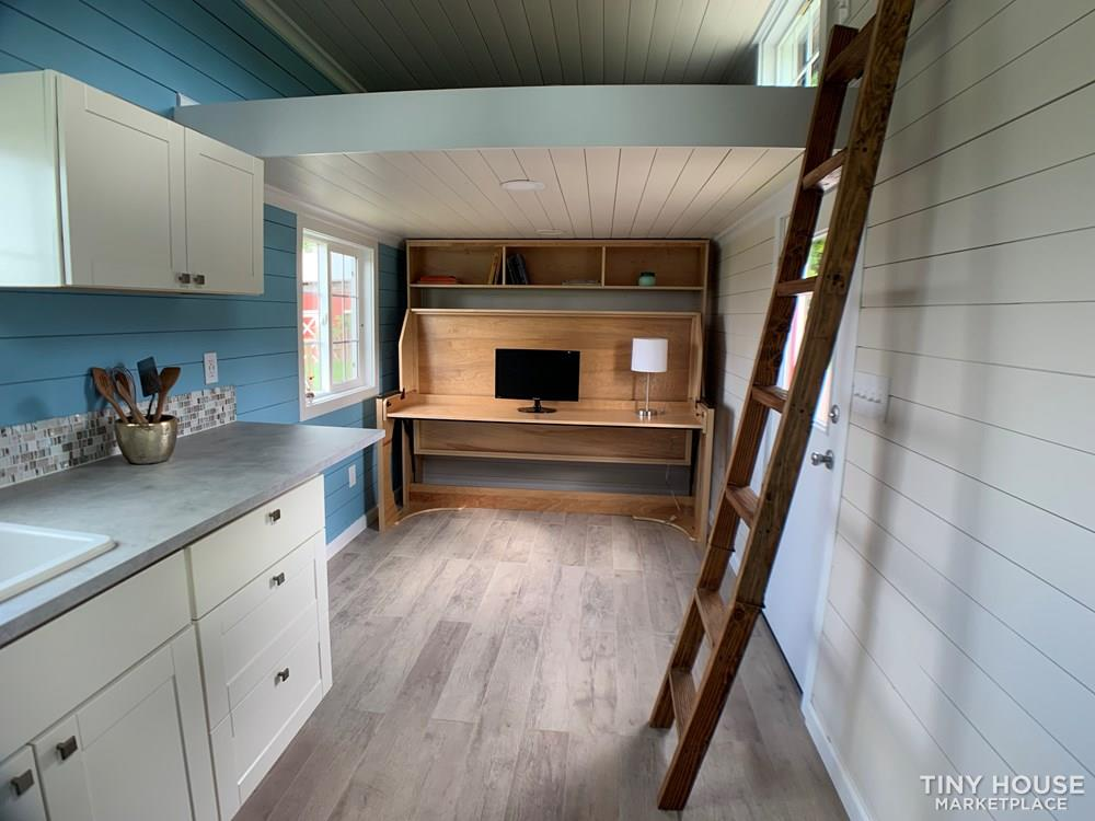 New Tiny House on wheels 170 sqft two lofts working kitchen bathroom 4