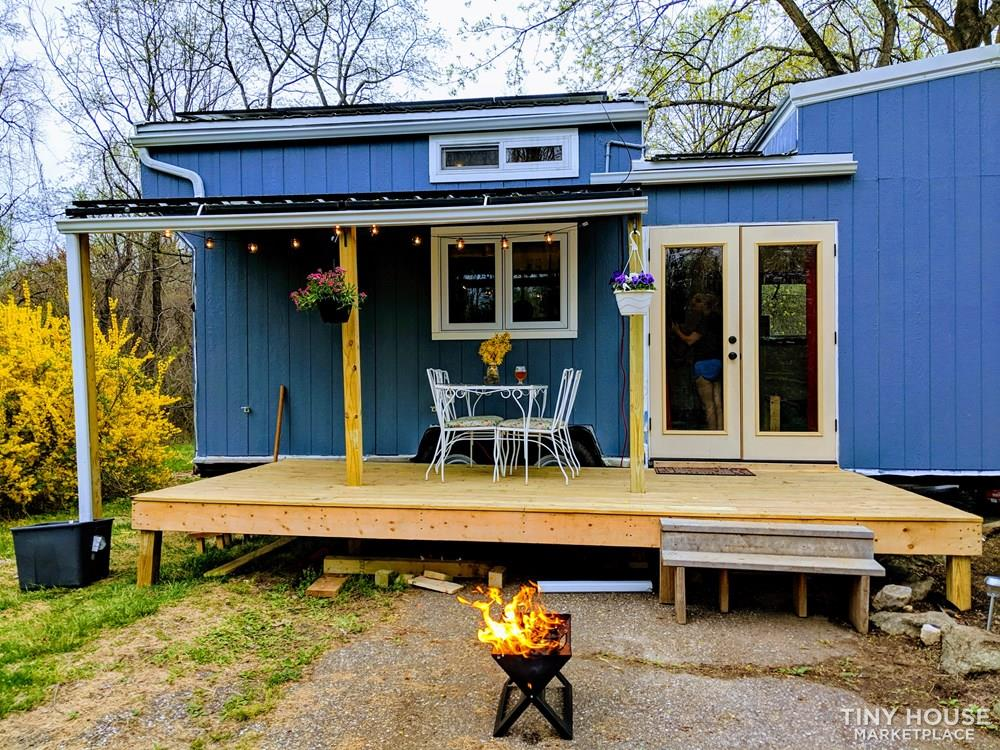 Off-Grid 32' Tiny House On Wheels For Sale