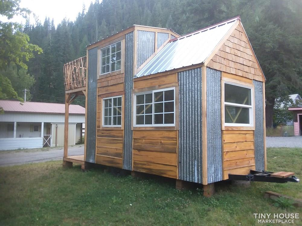 Single loft rocky mountain tiny house on wheels