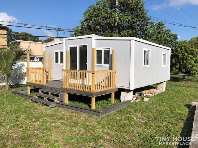 Tiny Home / Container  1
