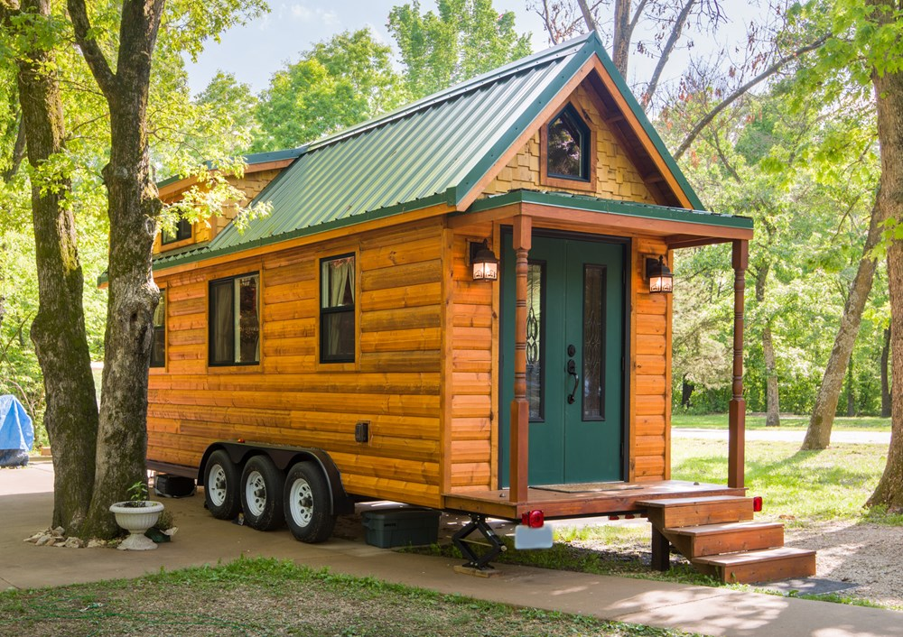 Tiny House Log Cabin - Move-in ready! **Make an offer!**