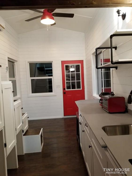 Tiny house on wheels for sale 9