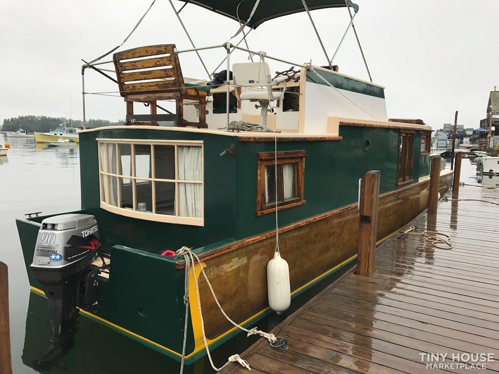 Unique Floating Tiny Home in Boston