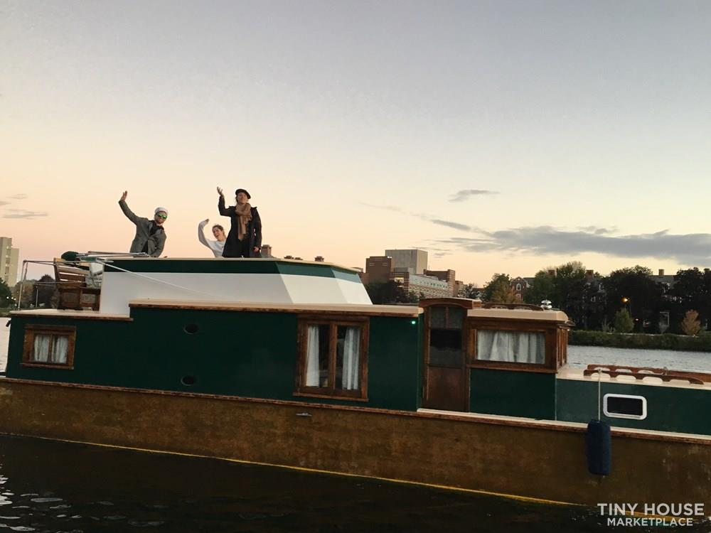 Unique Floating Tiny Home in Boston 9