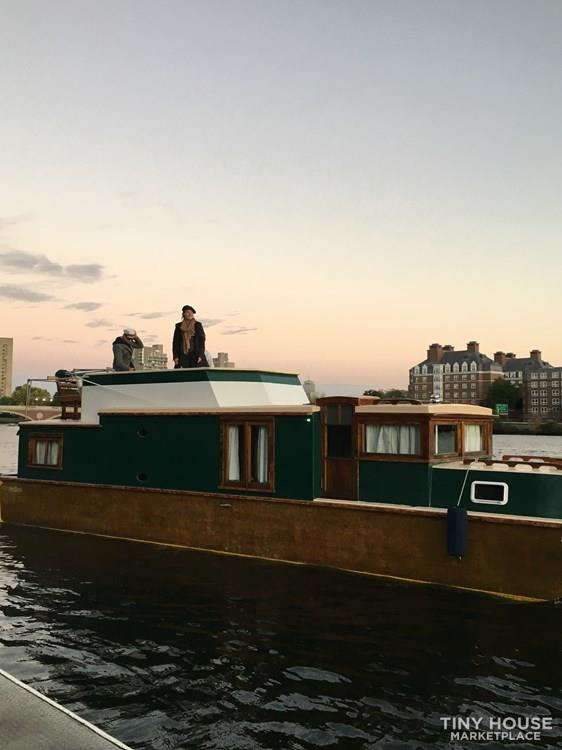 Unique Floating Tiny Home in Boston 11